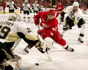 How we Wings fans want to see Darren Helm, after his endless injuries.