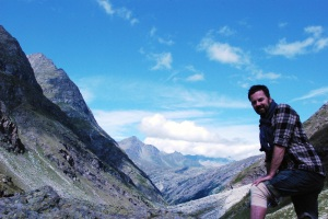 Braves altitude training in the French Alps. 600 m higher than Mount Kosciuszko, with a knee brace. Oh yeah.