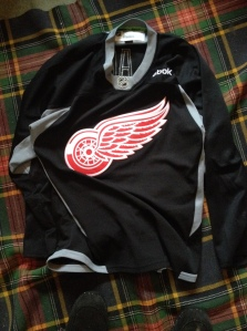 A recent pick-up: a genuine Red Wings practice jersey, as worn by the players at pre-season training camp. Got my name and #17 on the back. I rock this one out for Braves training and it has a lot of movement, lightness, which is good to skate in. I like it a lot.
