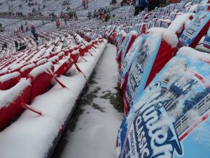 Cold, cold seats at the Winter Classic, half a world away from a Melbourne summer.